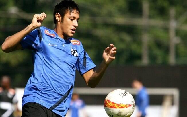 Neymar em ação no treino do Santos