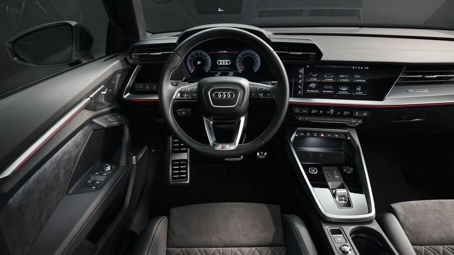 El interior del Audi A3 sigue el nuevo lenguaje visual del fabricante alemán, con un estilo atrevido incluso en el interior
