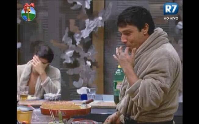 Vavá e Diego se divertem antes da Roça que conta com a disputa entre os dois