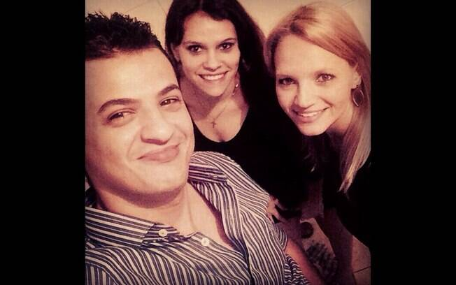 Paula, Angélica e Klinger conseguiram uma declaração de união poliafetiva