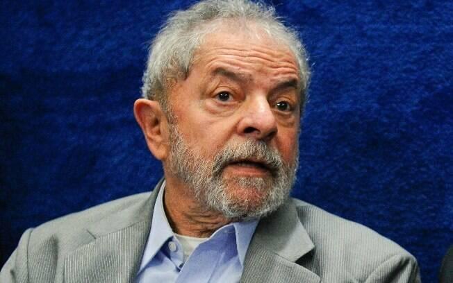 Juiz Sérgio Moro ordenou prisão do ex-presidente Lula após condená-lo por crimes de corrupção e lavagem no caso tríplex