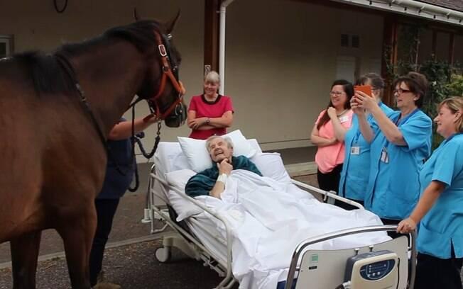 Patrick recebeu uma surpresa incrível no hospital