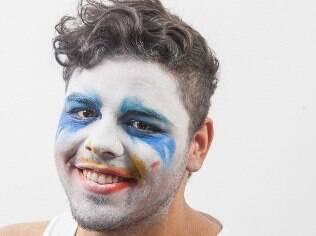 O universitário Luiz Romano se surpreendeu com a facilidade em produzir a make Applause