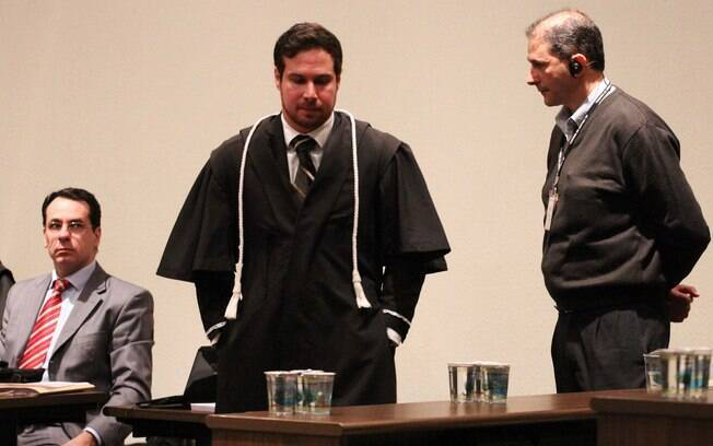 O Juiz Rodrigo Tellini de Aguirre Camargo durante julgamento do massacre do Carandiru, no Fórum criminal da Barra Funda em São Paulo (SP), nesta segunda-feira (29)
