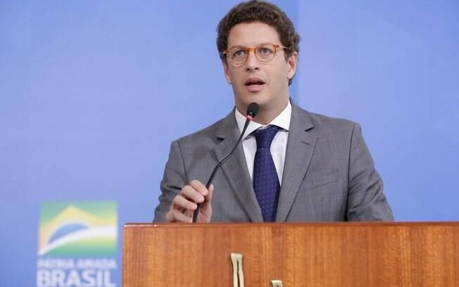 Queixa-crime do Greenpeace contra Salles será julgada no dia 20 pelo STF