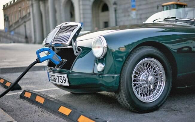Carros elétricos, clássicos. A nova tendência tem despertado a curiosidade dos amantes por automóveis