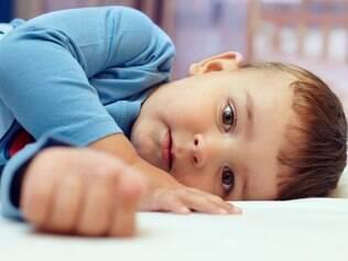 Dormir sozinha é uma conquista que deve ser incentivada pelos pais