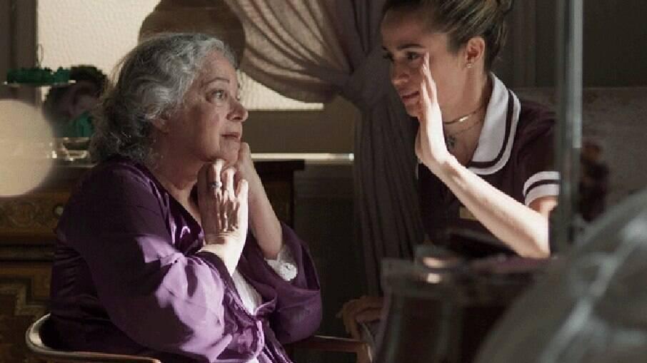 Dona Marieta diz a Sandra Helena que deixará sua fortuna para ela