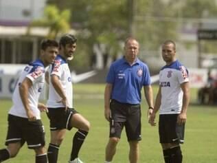 Mano Menezes quer time ofensivo, semelhante a formação implantada em sua primeira passagem pelo Timão