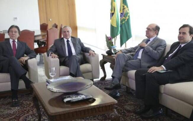 Temer recebe os presidentes Gilmar Mendes, do TSE, Eunício Oliveira, do Senado, e Rodrigo Maia, da Câmara