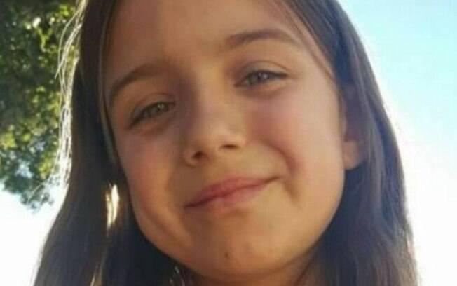 Americana Kiera Larson salvou as duas crianças, mais novas, que brincavam na porta de casa