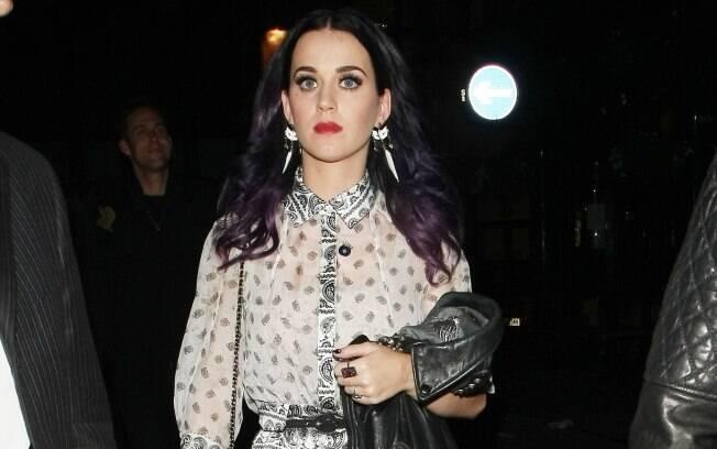 Katy Perry chegando à boate Cirque Du Soir em Londres