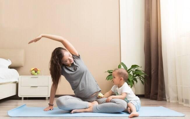 Amamentação e exercícios físicos combinam, desde que a atividade seja feita com alguns cuidados e orientação médica