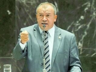 Conversas. Paulo Guedes garante que partidos pequenos estão sendo procurados para compor a base