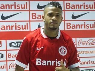 Léo exaltou suas características em chegada ao Inter