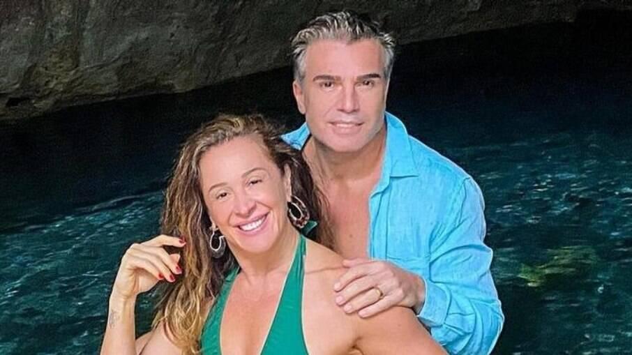 Claudia Raia está viajando com o marido no México