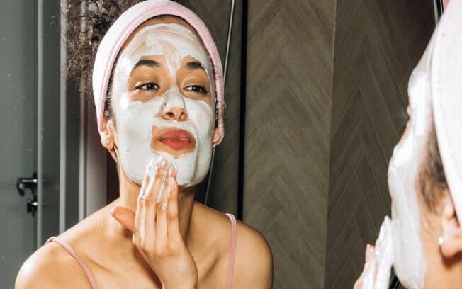 Saiba como fazer skincare com produtos naturais e sem agredir a pele