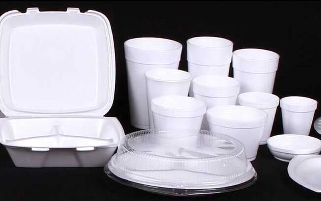 Há cada vez mais cidades ao redor do mundo proibindo o uso de embalagens descartáveis feitas com isopor