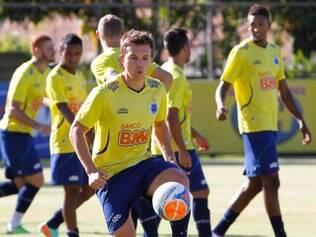Dagoberto deverá formar a dupla de ataque com Marcelo Moreno após ser poupado contra a Caldense
