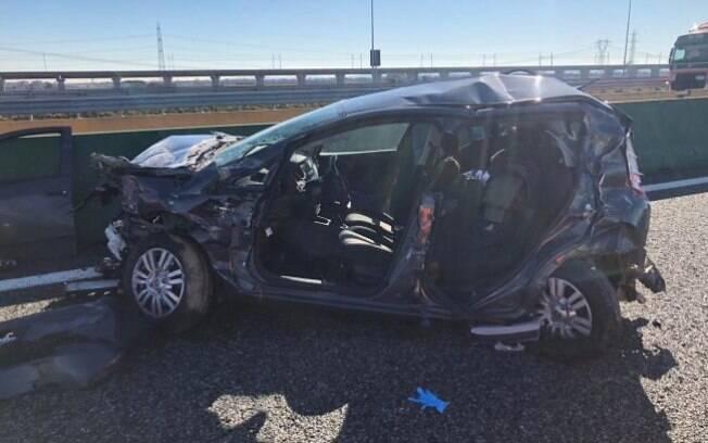 O carro que se envolveu em acidente com Douglas Costa era um Fiat Punto, o condutor foi levado ao hospital