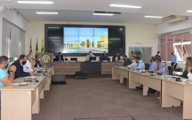 Câmara de Hortolândia adia para esta terça posse de Zezé Gomes