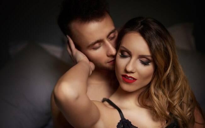 Com dicas simples, você dará ainda mais prazer para o seu parceiro na hora do sexo