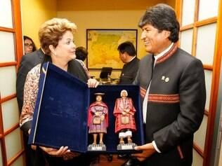 Presidenta Dilma Rousseff em encontro bilateral com o Presidente da Bolívia, Evo Morales em Paramaribo, Suriname