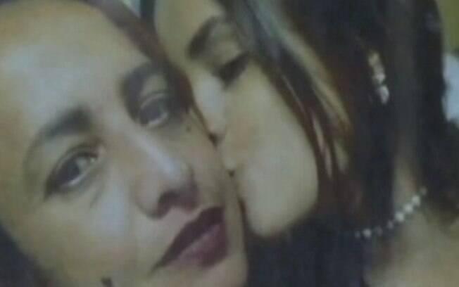 Homem esfaqueia namorada e filha dela em tentativa de feminicídio
