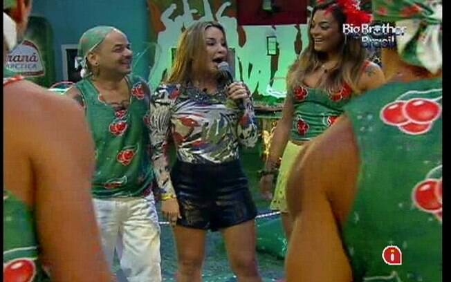 Cláudia Leitte canta junto com os brothers