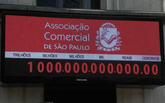 Impostômetro da Associação Comercial de São Paulo atinge a marca de R$ 1 trilhão em arrecadação de impostos