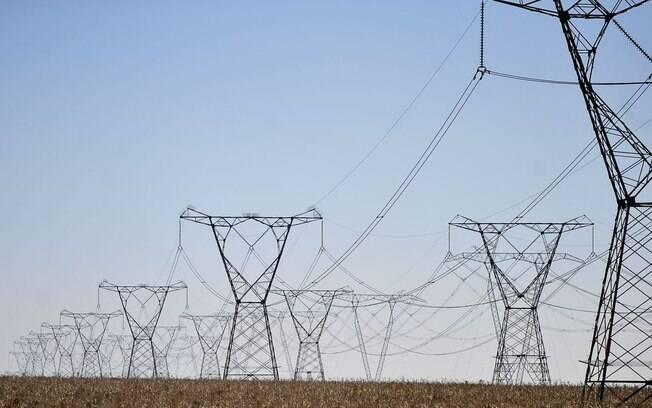 Privatização da Eletrobrás e redução da conta de luz devem ser os principais desafios para o novo ministro de Minas e Energia