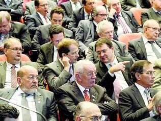 Atentos. Plateia com cerca de 700 empresários reuniu presidentes de federações da indústria