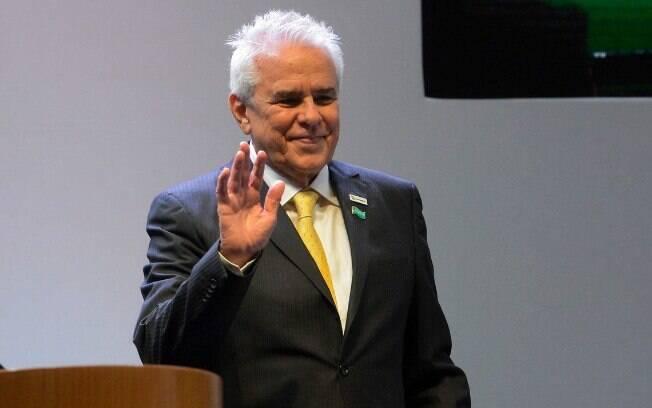 Por volta das 15h30, as ações da Petrobras (PETR4) subiam 3,59% e puxavam a alta geral no Ibovespa, que valorizava 1,37%