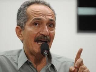 Aldo admite deficiências em infraestrutura e destaca esforço para superá-las