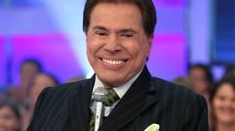 Silvio Santos receba a dose de reforço da vacina contra a Covid-19