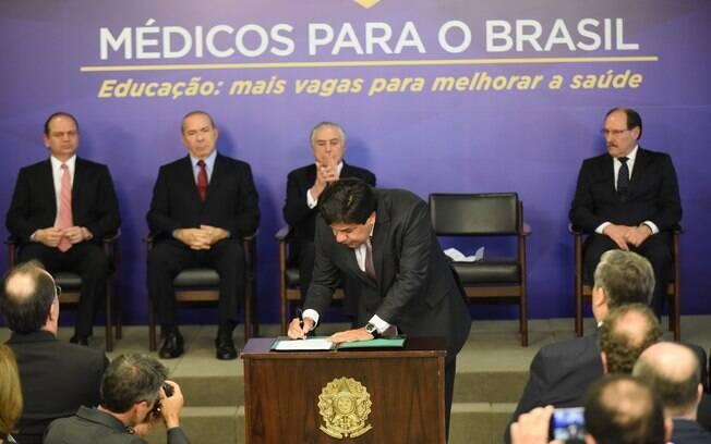 Ato foi assinado nesta semana pelo ministro Mendonça Filho; MEC estima que cursos iniciem atividades neste ano