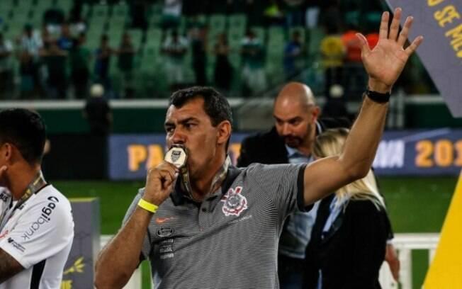 Bicampeão paulista e campeão brasileiro pelo Corinthians, Carille deixou o clube nesta terça (22)