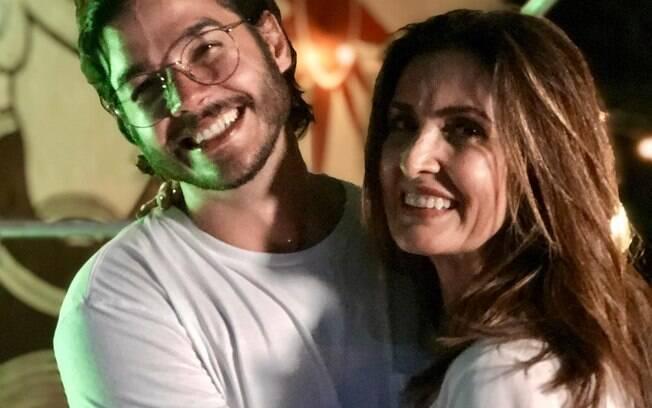 Túlio Gadelha, namorado de Fátima Bernardes, aproveitou o Instagram para comemorar a sua eleição como deputado federal e demonstrar carinho pela amada