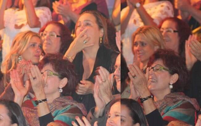 Carolina chorou ao final da apresentação