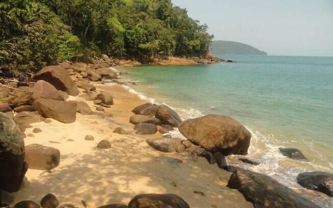 A praia do Cedro, em Ubatuba, está entre as belas praias brasileiras que são indicadas para quem busca sossego