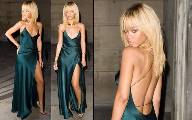 Rihanna usa vestido com mega fenda na festa de Stella McCartney nesse sábado (18), em Londres