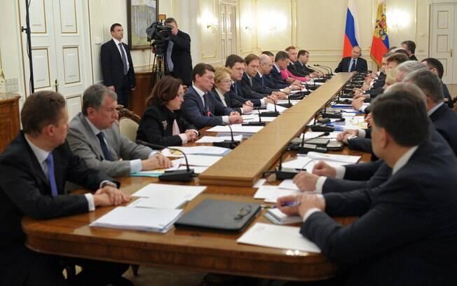 Rússia ameaça confiscar bens estrangeiros se sofrer sanções por ação na Ucrânia