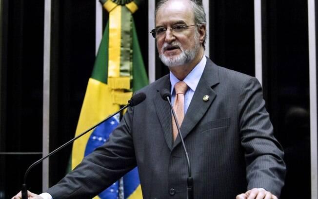 Ex-presidente do PSDB, Eduardo Azeredo foi condenado a 20 anos de prisão por desvio de dinheiro público