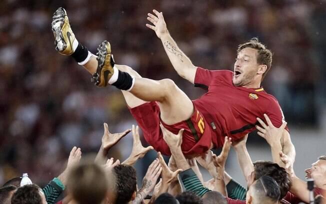 Ídolo na Roma, Francesco Totti deve se tornar dirigente em breve