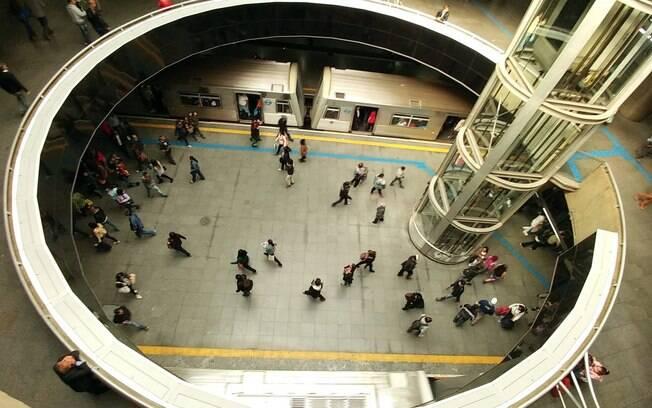Estações do metrô terão reforço de funcionários e seguranças durante o feriado do Carnaval