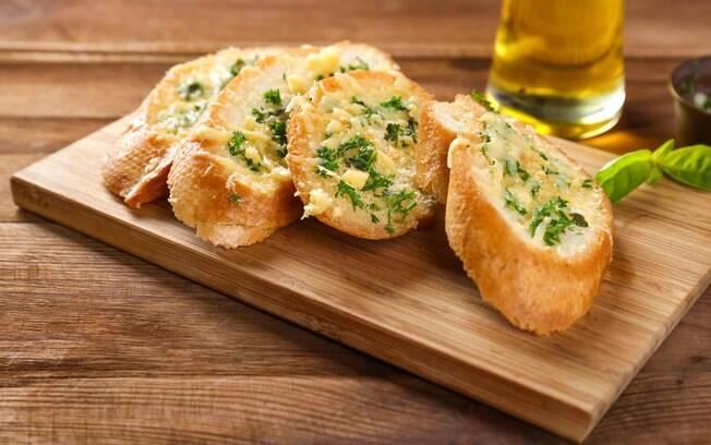 Não sabe como fazer pão de alho? Confira o passo a passo e arrase em qualquer ocasião