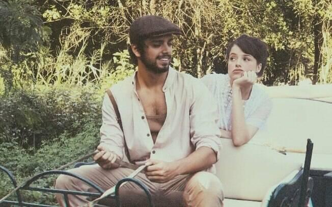 Agatha Moreira e Rodrigo Simas nos bastidores de