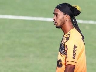 Por precaução, Ronaldinho não enfrenta o Criciúma nesta quarta-feira