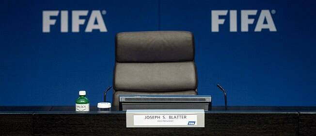 """Romário: """"Um dos maiores corruptos da história do futebol pediu demissão"""""""