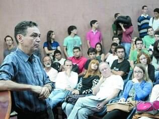 Bagagem. O físico mineiro Ivair Gontijo falou para um auditório lotado de estudantes, ontem, na UFMG
